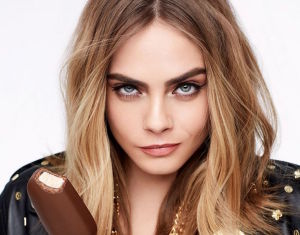 cara-delevinhgne-for-magnum-s-unleash-your-wilde-side-ad-campaign-may-2017_1
